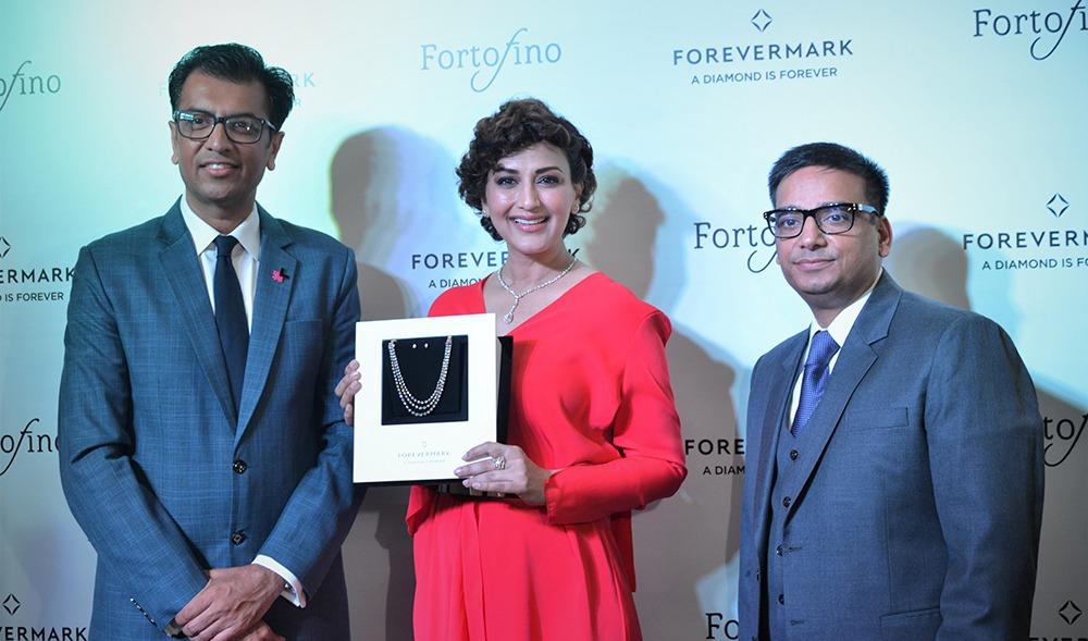 Sachin Jain President Forevermark Sonali Bendre Sanjiv Talla CMD Fortofino launching Forevermark Flagship store in Chandigarh