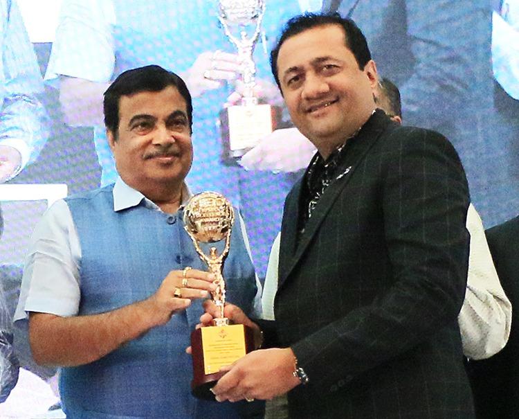 Shri Nitin Gadkari and Dinesh Lakhani For BDB